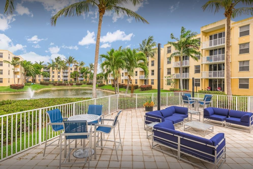 Beach Walk at Sheridan Apts - Dania, FL